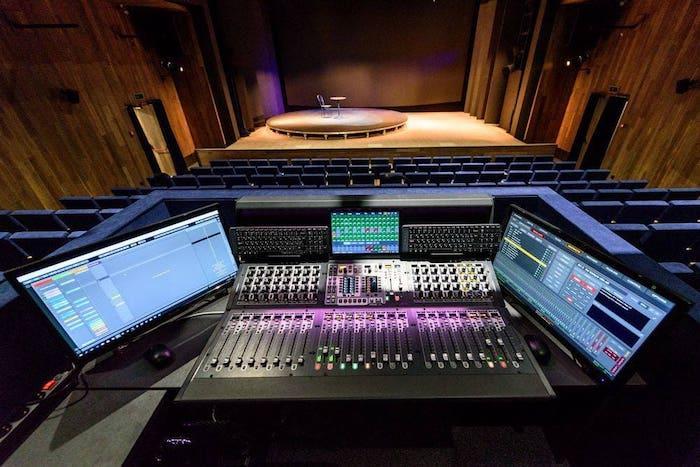 d&b audiotechnik в Театре на Подоле